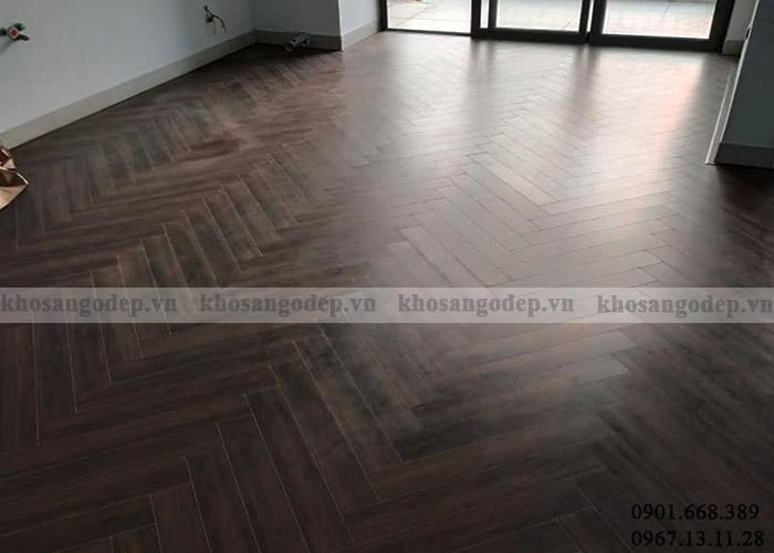 Sàn gỗ xương cá Pioner màu đen