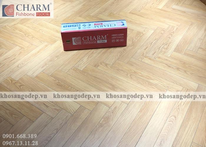 Sàn gỗ xương cá Charm C01 vân gỗ sồi