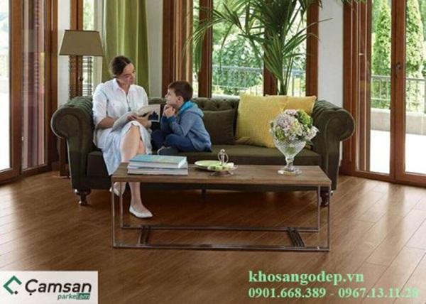 Mẫu sàn gỗ màu nâu trầm tinh tế