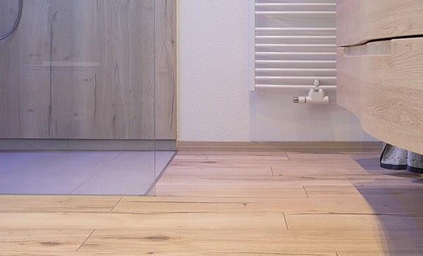 Chọn sàn gỗ công nghiệp phòng tắm cần lưu ý những gì?