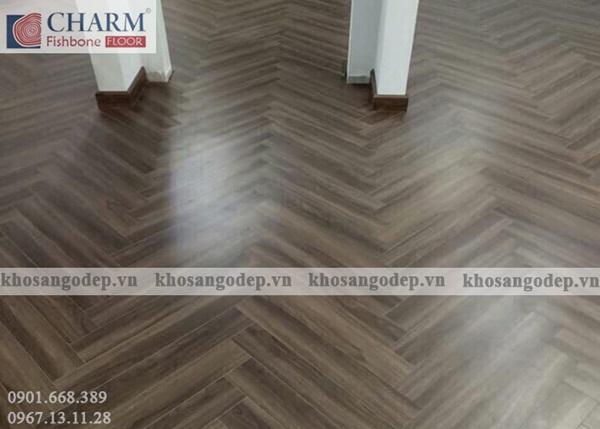 Sàn gỗ xương cá Charm C04 cao cấp