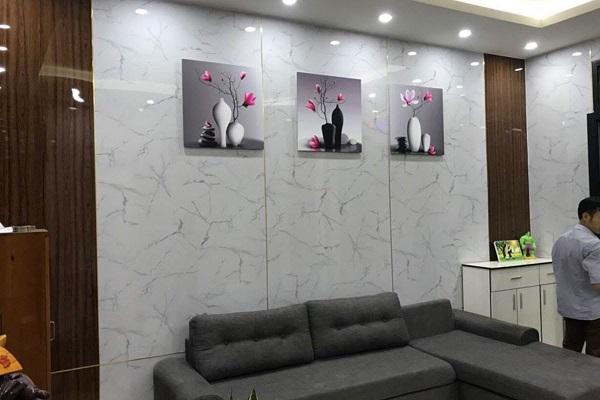 Tấm PVC vân đá ngày càng phổ biến trong không gian nội thất