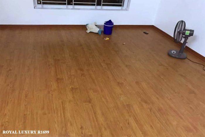 Sàn gỗ màu cánh dán