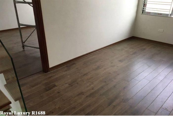 Sàn gỗ màu nâu xám Royal