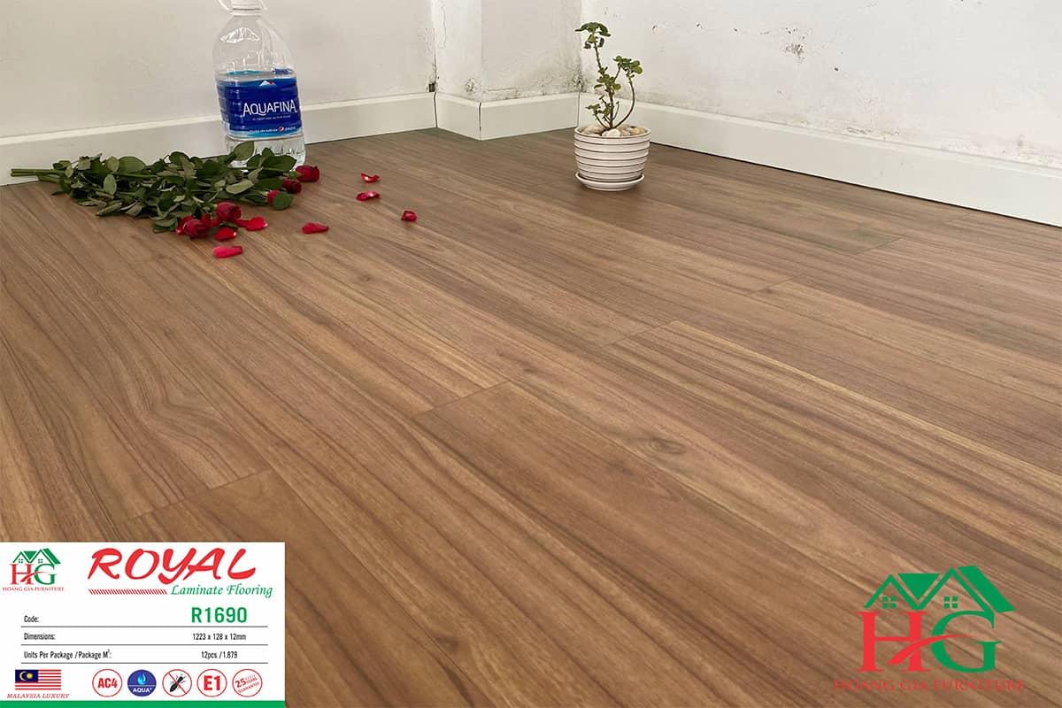 Sàn gỗ ROYAL R1690