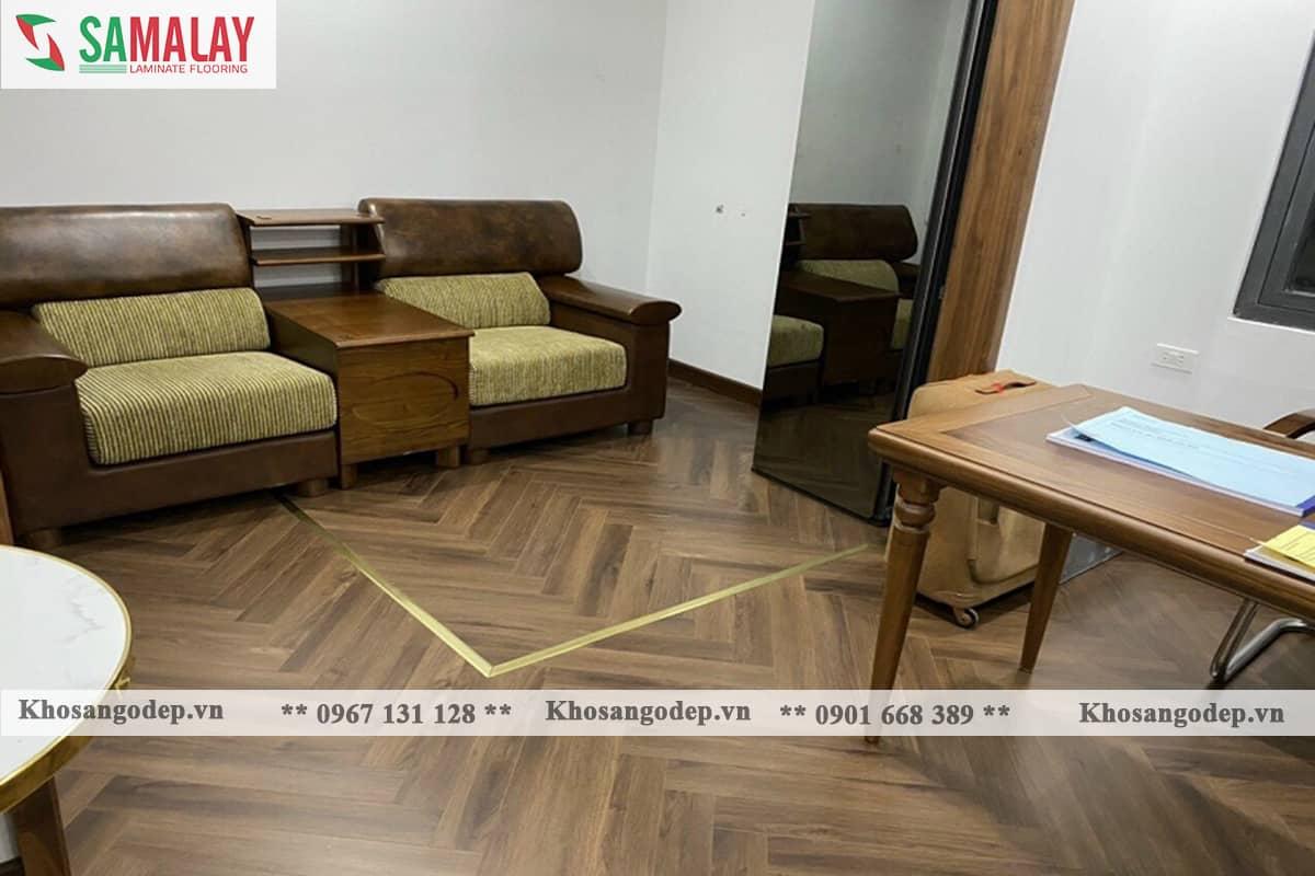 Thi công sàn gỗ xương cá Samalay FB84