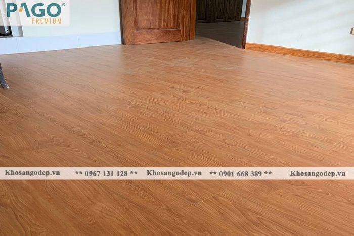 Thi công sàn gỗ Pago Premium M8114